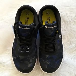 NWT Champion sneakers